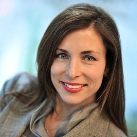AIS Adviser, Debra Hadden